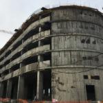 Главгосстройнадзор нашел нарушения при строительстве многоярусного паркинга в Домодедово