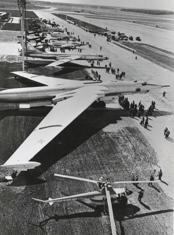 50 лет авиапараду в Домодедово