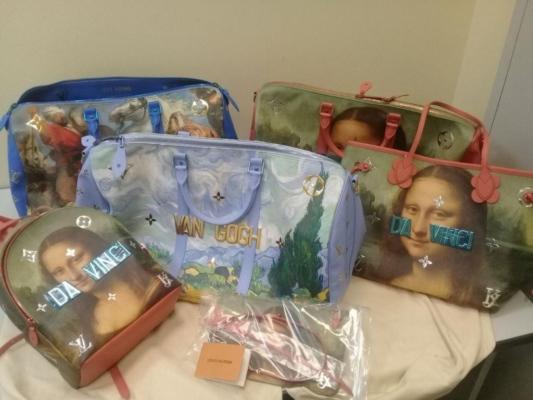 У туриста не таможне отобрали сумки Louis Vuitton на 1 млн рублей