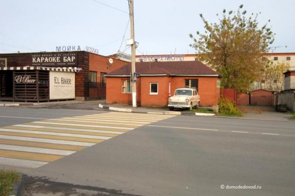 Пешеходный переход на Корнеева