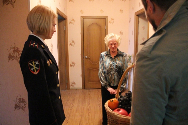 Сотрудники УМВД посетили ветеранов