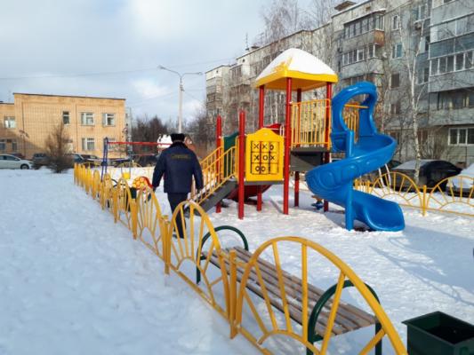 В Домодедово по предписанию Госадмтехнадзора очищены от снега и льда детские площадки