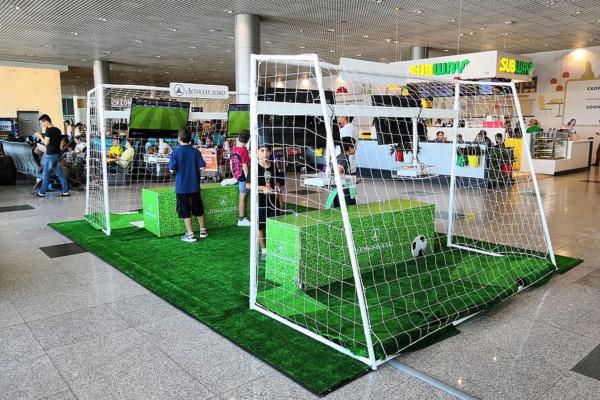 Аэропорт Домодедово приглашает пассажиров сыграть в футбол на Xbox