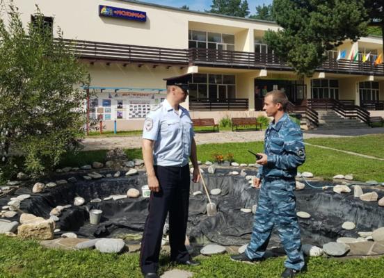 Полицейские провели профилактическую беседу по охране общественного порядка