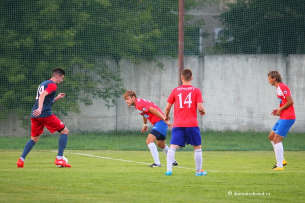 Футбол в Домодедово. Матч «Пересвет» — «Витязь»