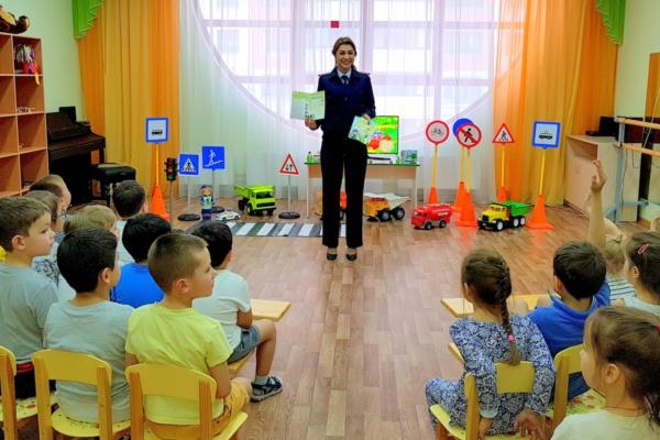 сотрудники ГИБДД провели практические занятия c детьми