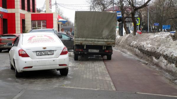 Пешеходная дорожка на Советской улице