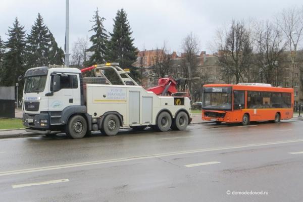 Эвакуация автобуса Домтрансавто