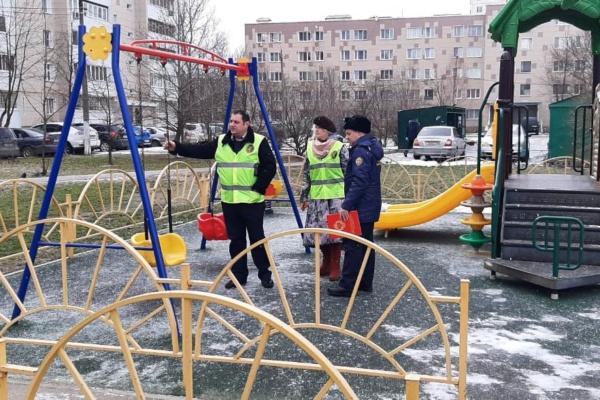 Проверка детских площадок