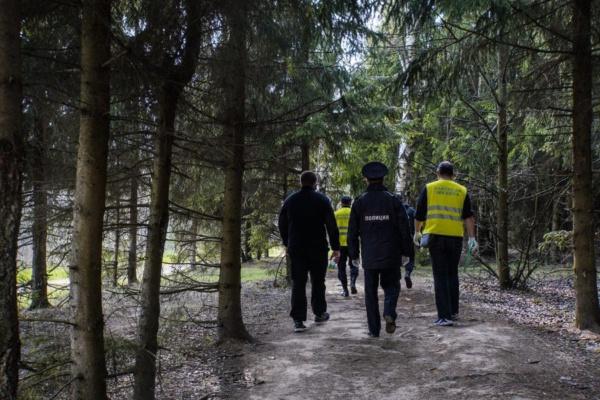 Полиция, Росгвардия и Народная дружина патрулируют дворы и лес