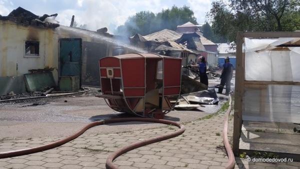 В Горках Ленинских сгорел киногородок