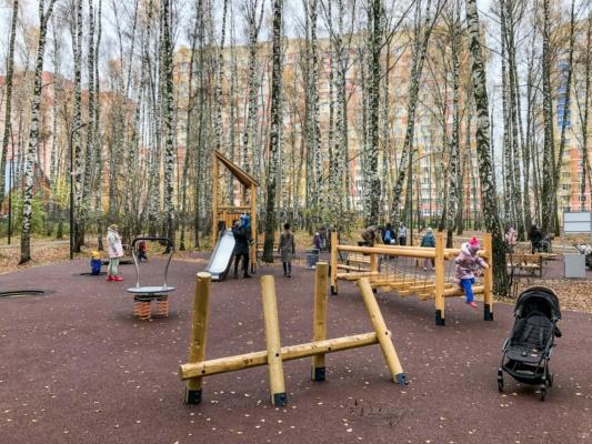 В новом парке открылись детские площадки