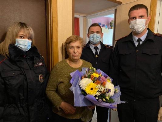 Полицейские навестили ветеранов и семьи погибших