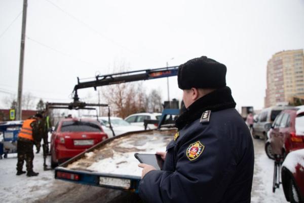 В Домодедово эвакуируют автомобили из-за нарушений