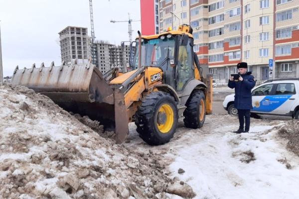 Более 180 кубометров загрязнённого снега вывезено за неделю с дворовых территорий в Домодедово по требованию Госадмтехнадзора