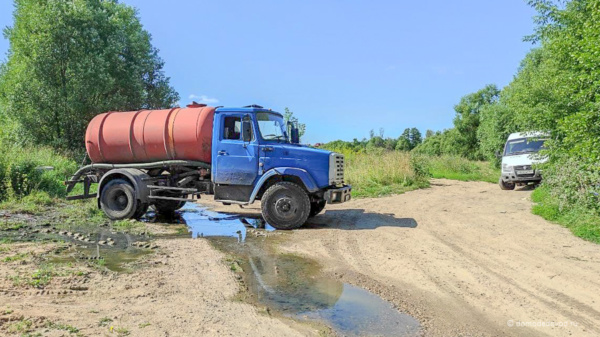 Откачка канализации на улице Земляничная