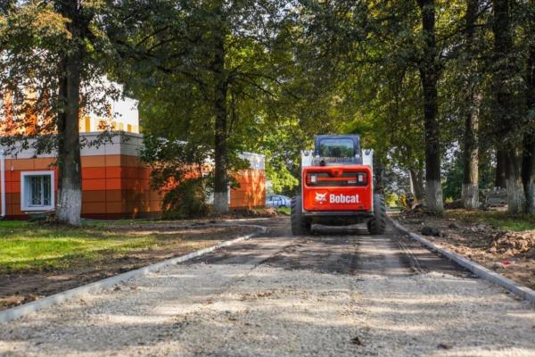 В Константиновском парке приступили к благоустройству территории