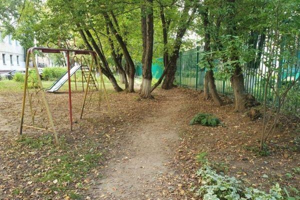 И к детским садам нужны тротуары