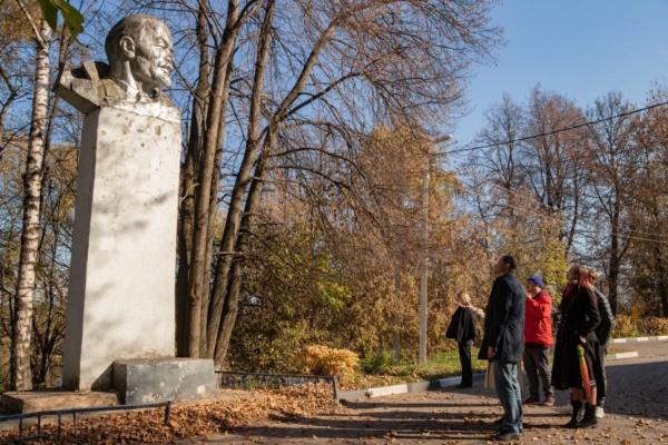 Общественники осмотрели ход благоустройства парков